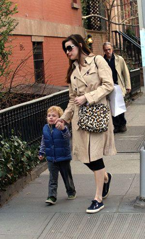 Liv Tyler oğlu Milo'yla...